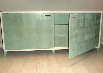 Shagreen and white lacquered chest of drawers.